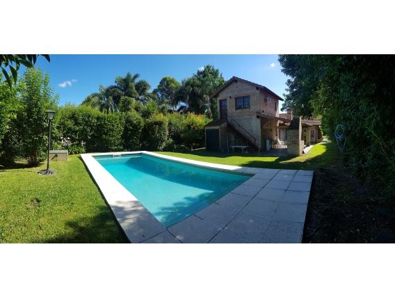 650 M2. Casa En Larena, Pilar