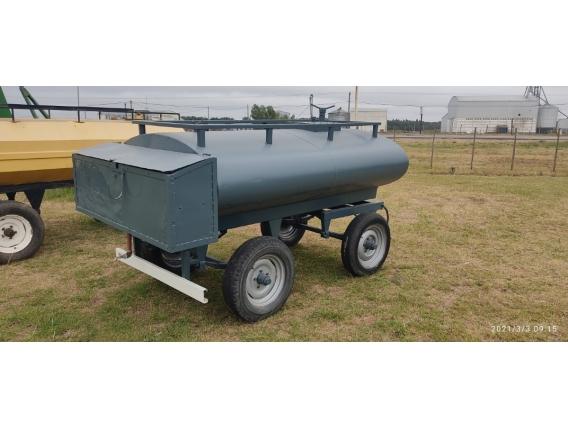 Acoplado Tanque Aiello de 2200 Litros