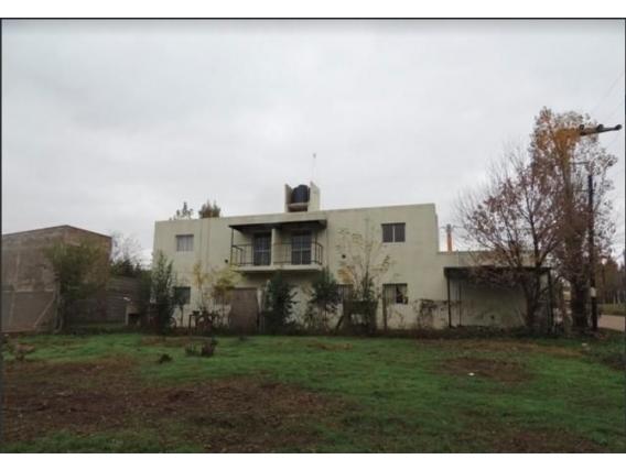 Complejo de departamentos  en Barrio residencial Villa Kins