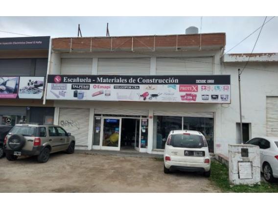 Local Comercial con Deposito y Oficina en Barrio California