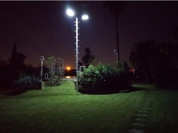 Luminaria Led Solar Sustentable Fiberkuvet 60W Abs