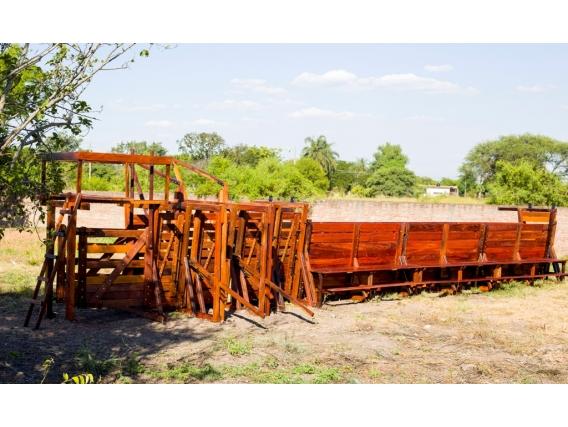 Manga de 9 metros de largo con casilla de operaciones Los Nogales