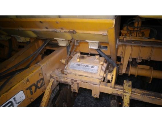 Sembradora Agrometal TX-2 10/70