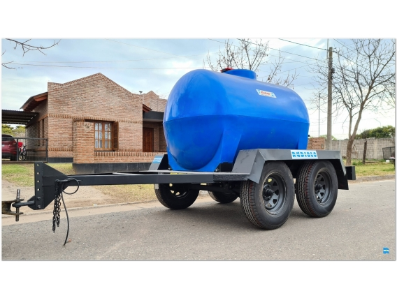 Acoplado Cisterna Tanque Plastico 2.000 Lts. Cp1004