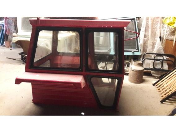 Cabina Tractor Massey Ferguson 1195. Puerta Delantera