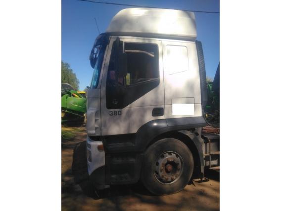 Camión Iveco Stralis 380Hd Con Batea Petinari