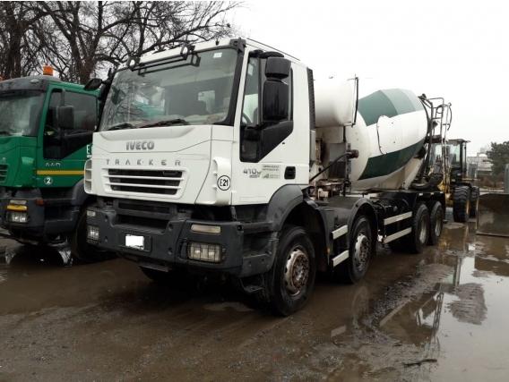 Camion Iveco Trakker 8X4 Con Mixer