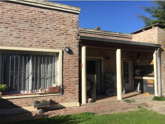 Casa 145 M2. Barrio El Chañar 1. Partido De Brandsen