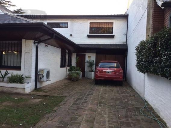 Casa 3 Dormitorios - 210 M2 - Adrogué