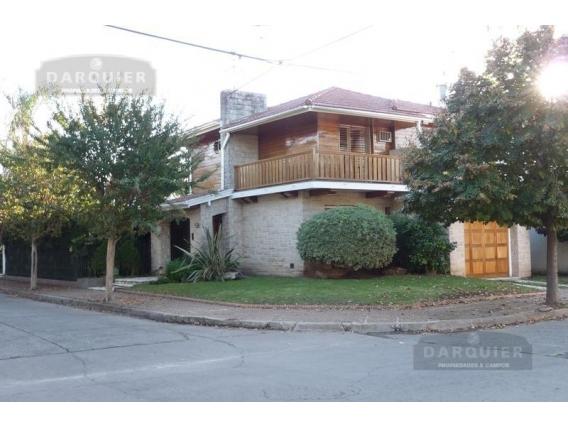 Casa 3 Dormitorios - 320 M2 - Adrogué