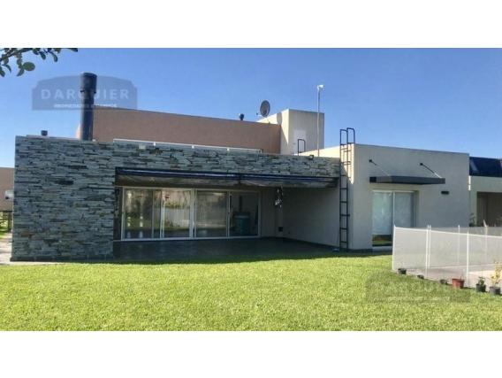 Casa 3 Dormitorios En Venta - 750 M2 - Santa Juana