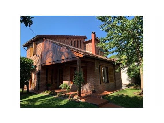 Casa 3 Dormitorios Jardin Piscina Garage Los Aromos 300