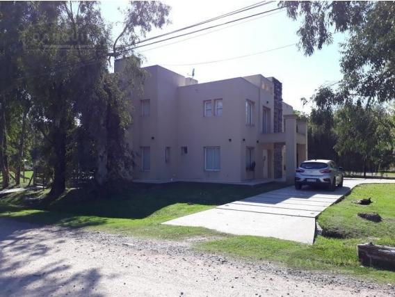 Casa 4 Dormitorios - 208 M2 - Parque Las Naciones