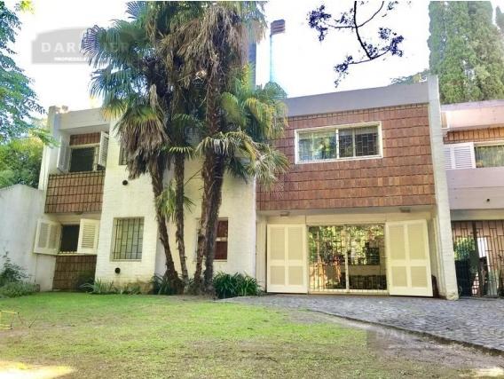 Casa 4 Dormitorios - 211 M2 - Adrogué
