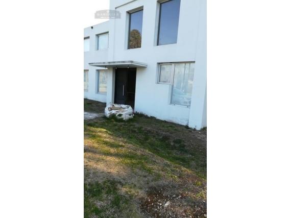 Casa 4 Dormitorios - 300 M2 - Guernica