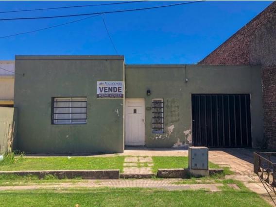 Casa 65 M2.calle Ameguino.partido De Ranchos. Gral. Paz