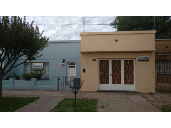 Casa De 154 M2. Sobre Av Campomar. Ranchos. Gral Paz.