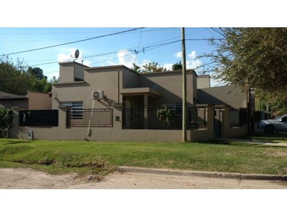 Casa En Barrio La Dolly. 89 M2. Brandsen
