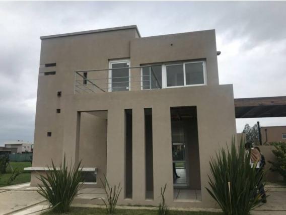 Casa En Venta. El Cantón, Escobar, Bs As. 180 M2