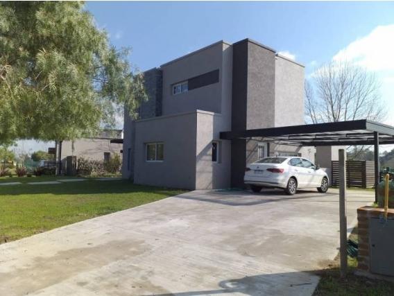 Casa En Venta. El Cantón, Escobar, Bs As. 890 M2