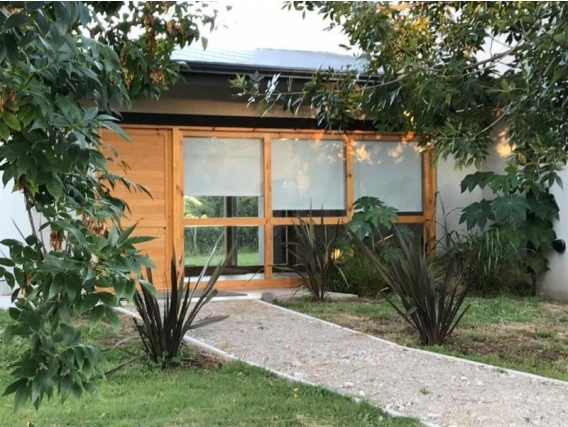 Casa En Venta. La Cuesta, Manzanares, Bs As. 560 M2