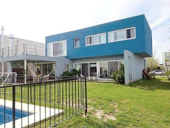 Casa En Venta. Los Alisos, Nordelta, Bs As. 265 M2.