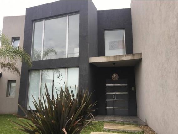 Casa En Venta. San Francisco, V.nueva, Bs As. 265 M2