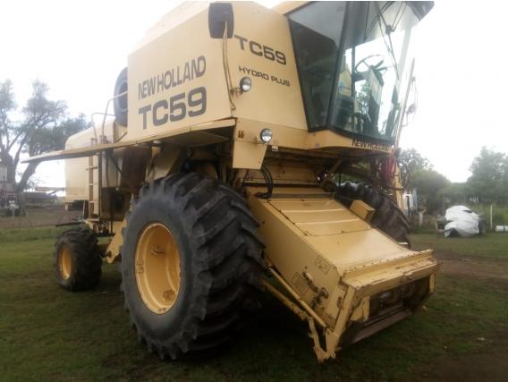 Cosechadora New Holland TC 59 Usada