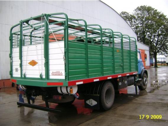 Carrocerías Todo Puertas, en Fibra de Vidrio, para Camión - Fibras HyF