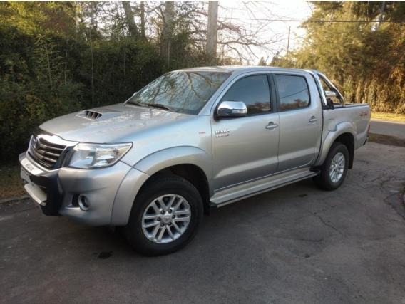 Toyota Hilux Srv 4X4 Año 2015