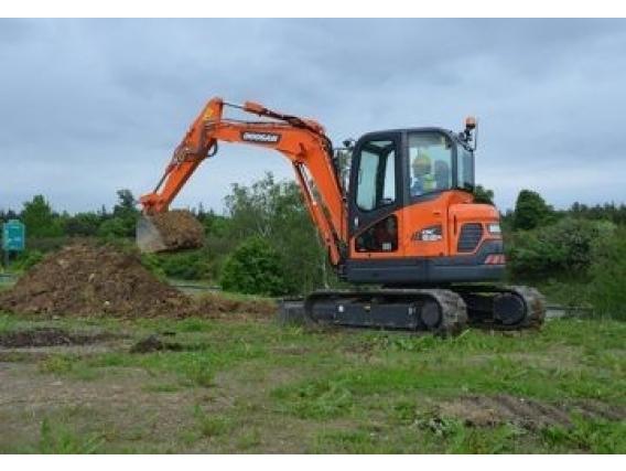 Excavadora Doosan Dx63R-3