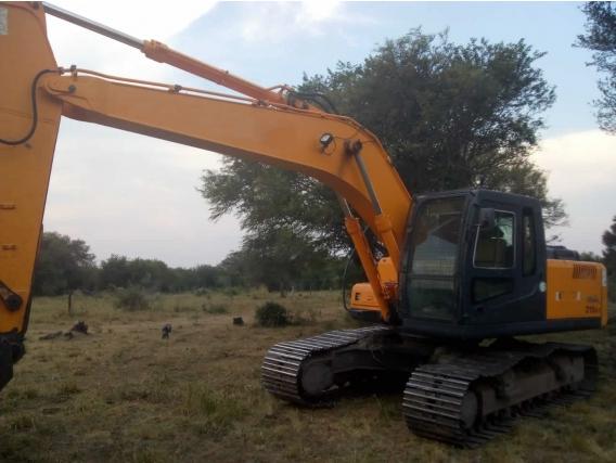 Excavadora Hyundai 210 Lc-7 Año 2014