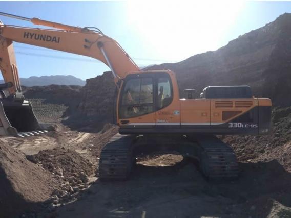 Excavadora Hyundai 330 Lc-9S Año 2018