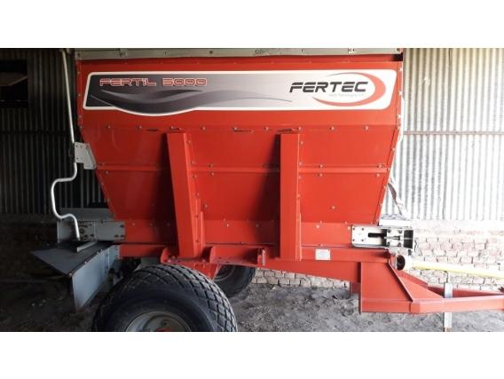 Fertilizadora Fertec 3000 Litros