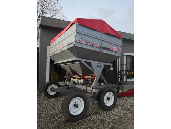 Fertilizadora Metalpaz 3000 Lts