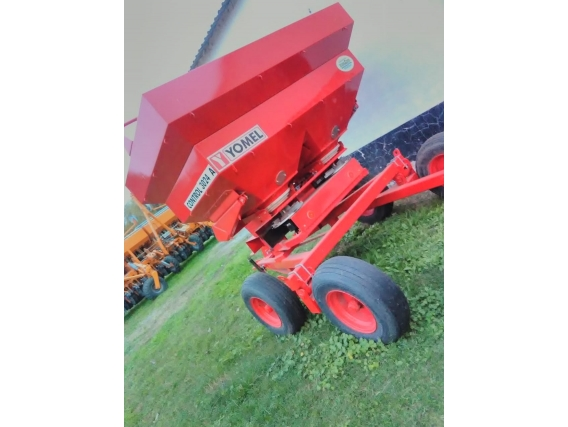 Fertilizadora Yomel Control 3024-A
