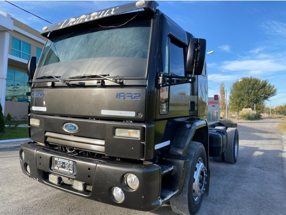 Ford Cargo 1832 2010