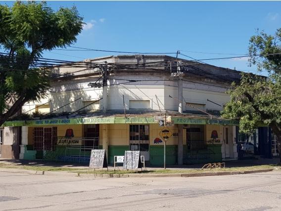 Gálvez 2 Locales Y 1 Casa En Venta. Ph. Mitre Y España