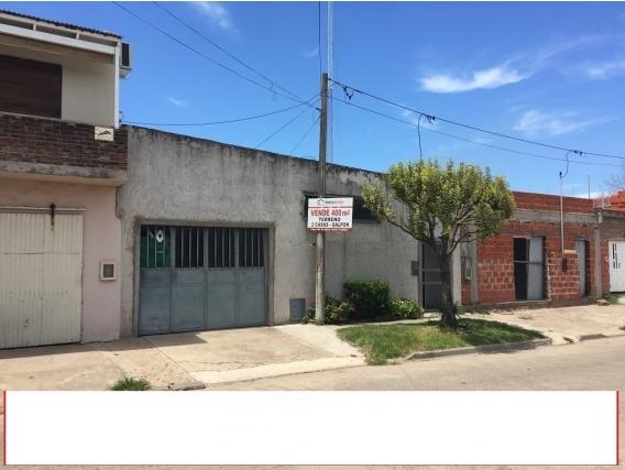 Galpón Más 2 Casas, Lote De 390 M2