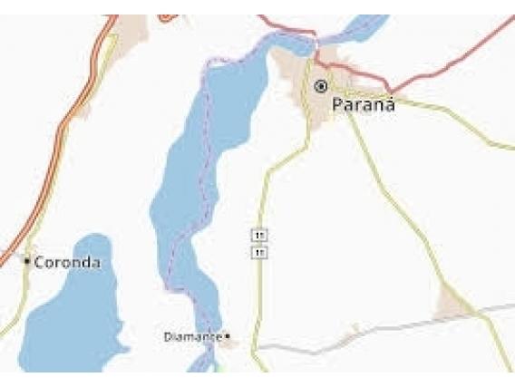 Isla En Aldea Brasilera Parana