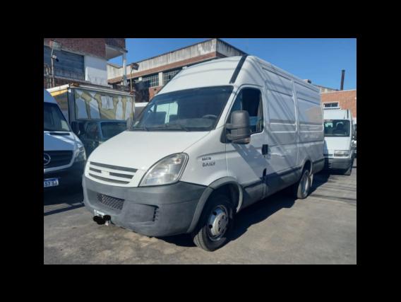 Iveco Daily 55C16 Furgon 12M3