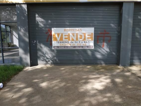 Local Importante. Saladillo, Provincia De Bs.as 3000 M2
