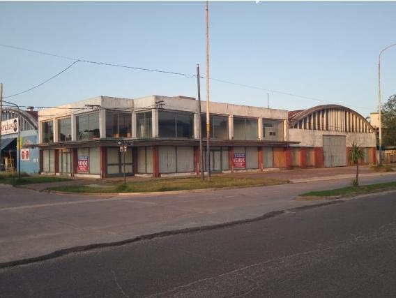 Local Y Oficinas. 469M2. Av.lastra Y Machado. Chascomus