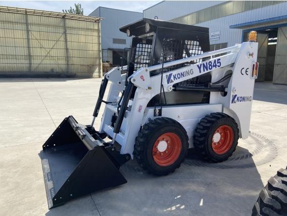 Minicargadora Koning 700Kg