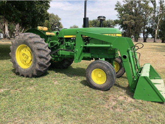 Tractor John Deere 4530 Tracción Simple.