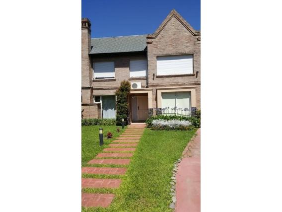 Parravicini 8901. Casa De 4 Dormitorios.