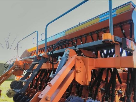 Sembradora Agrometal Nueva Mxy-2 23/21Cms.