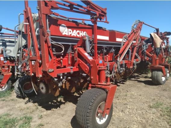 Sembradora Apache 27000