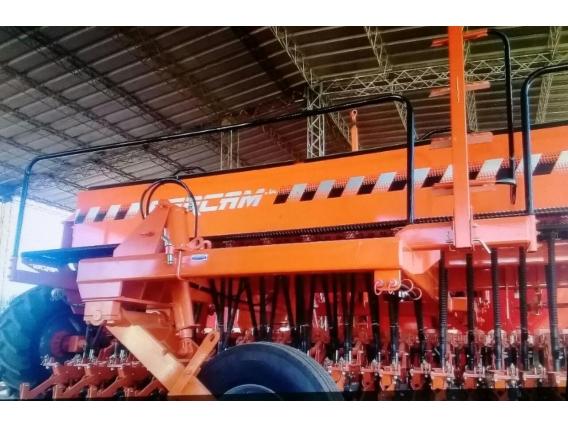 Sembradora Fercam De 25 Líneas A 17,5Cm. Tiro De Punta.