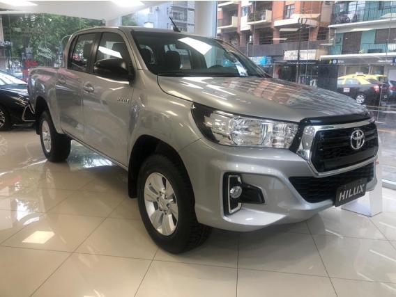 Toyota Hilux 4X4 D/c Srv2.8 Tdi 6 M/t